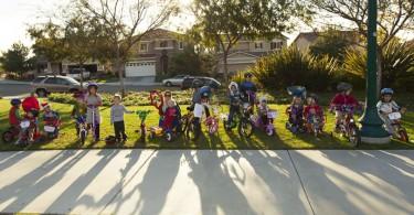 christmas-parade-bikes