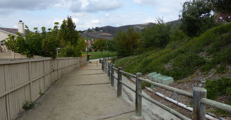 Foothills-Park-Trail