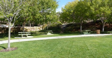 Santa-Fe-Hills-Park-Picnic-Area