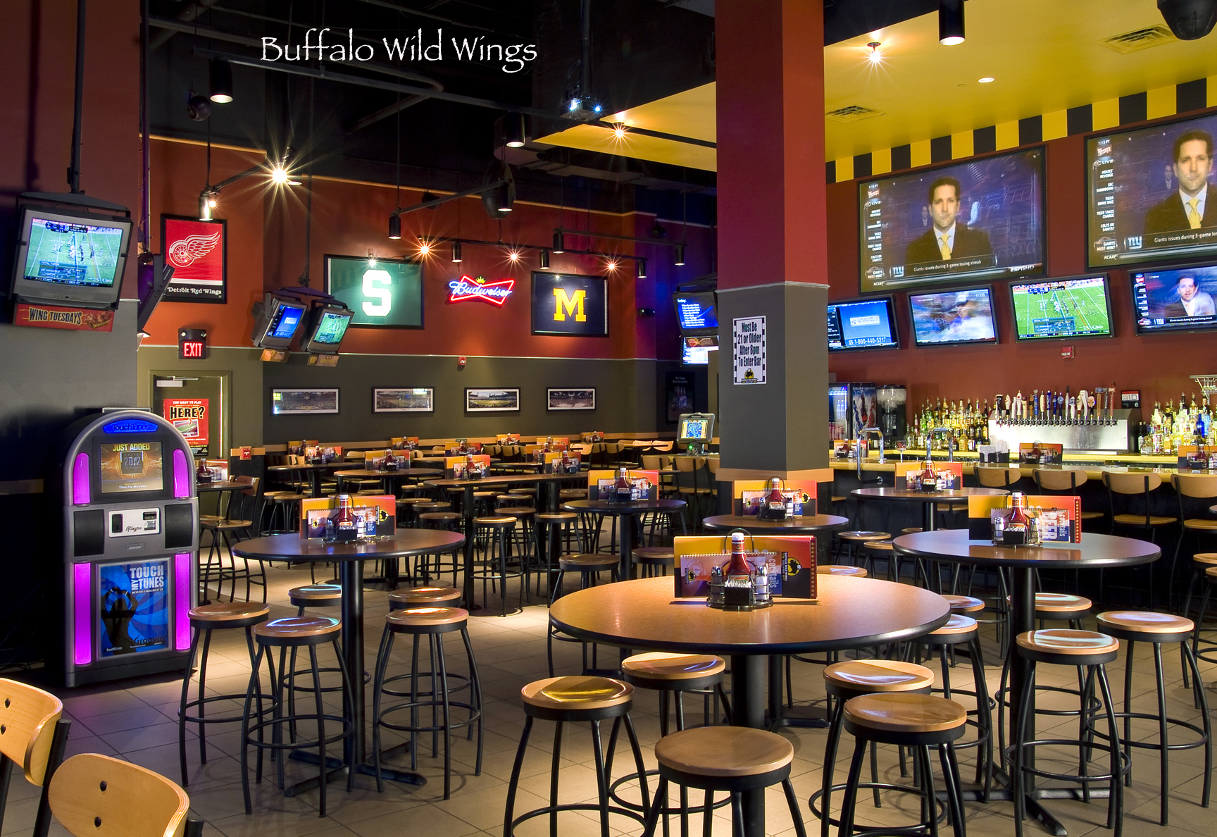 Buffalo Wild Wings @ San Marcos Restaurant Row
