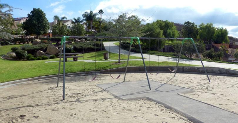 Regency-Hills-Park-Swingsets